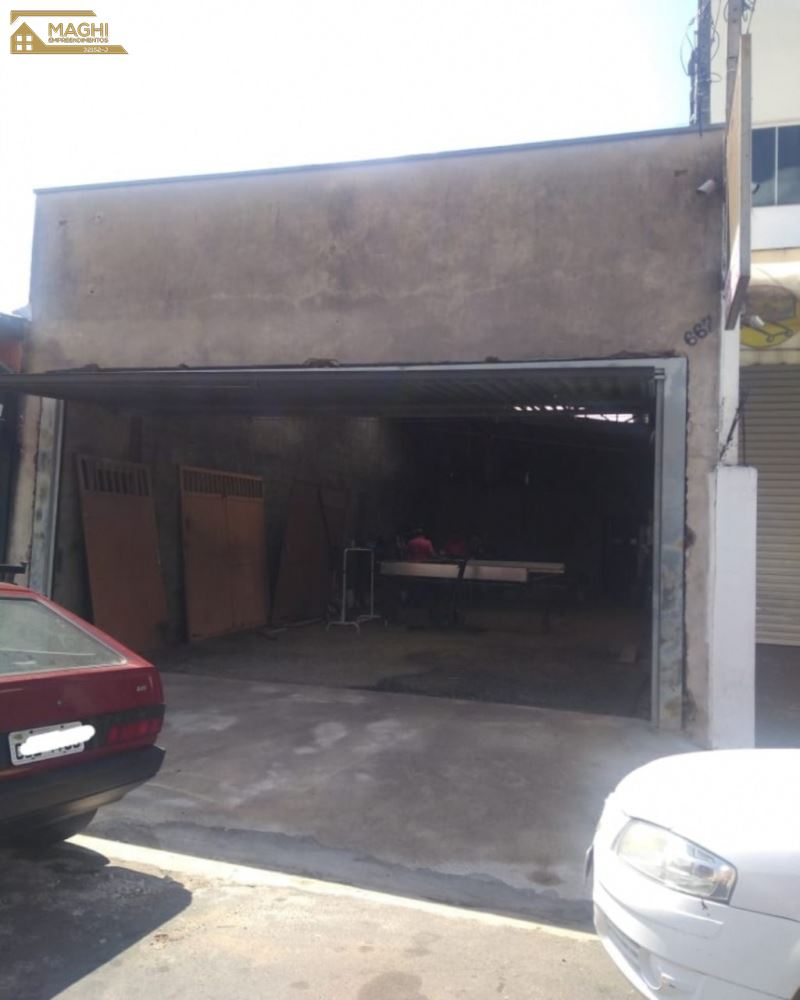 Salão Comercial + Casa Nos Fundos Com 4 Cômodos.